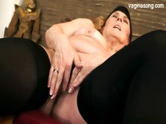 busty daughter cum on booty