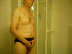 masturbation befor shower